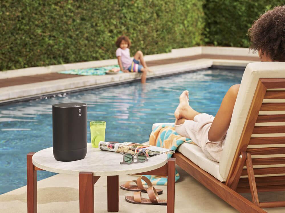 Sonos-Move-portable-speaker-lifestyle