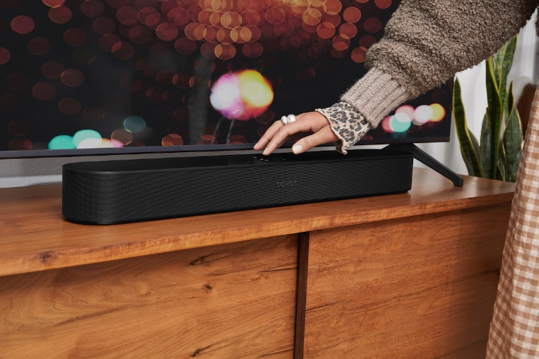 Sonos Beam G2 black lifestyle blog